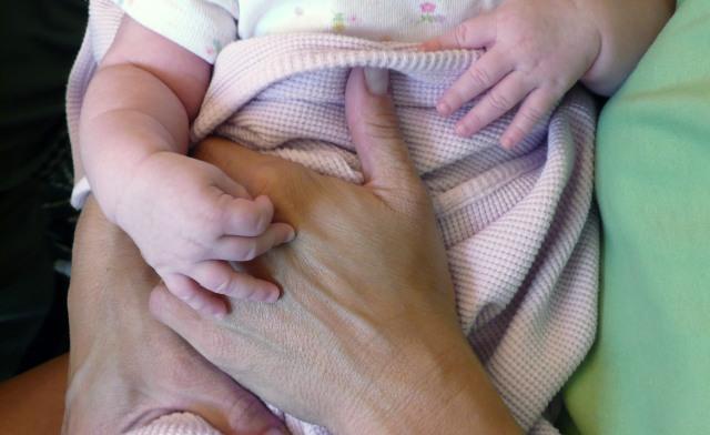 importância do toque, maternidade hoje