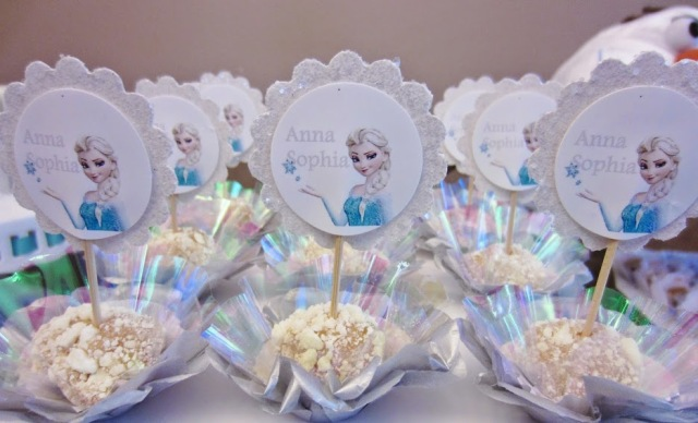 Festa tema Frozen, festa de aniversário Frozen, aniversário infantil, festa infantil, maternidade hoje, docinhos, docinhos frozen