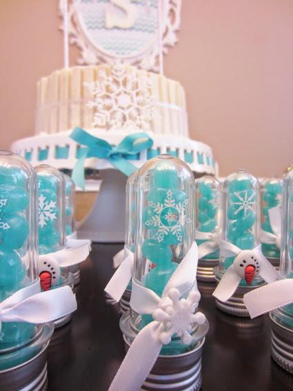 Festa tema Frozen, festa de aniversário Frozen, aniversário infantil, festa infantil, maternidade hoje, lembrancinhas, lembrancinha festa frozen