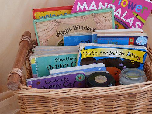 quarto infantil, maternidade hoje, organizar os livros, organizar livros, quarto de criança