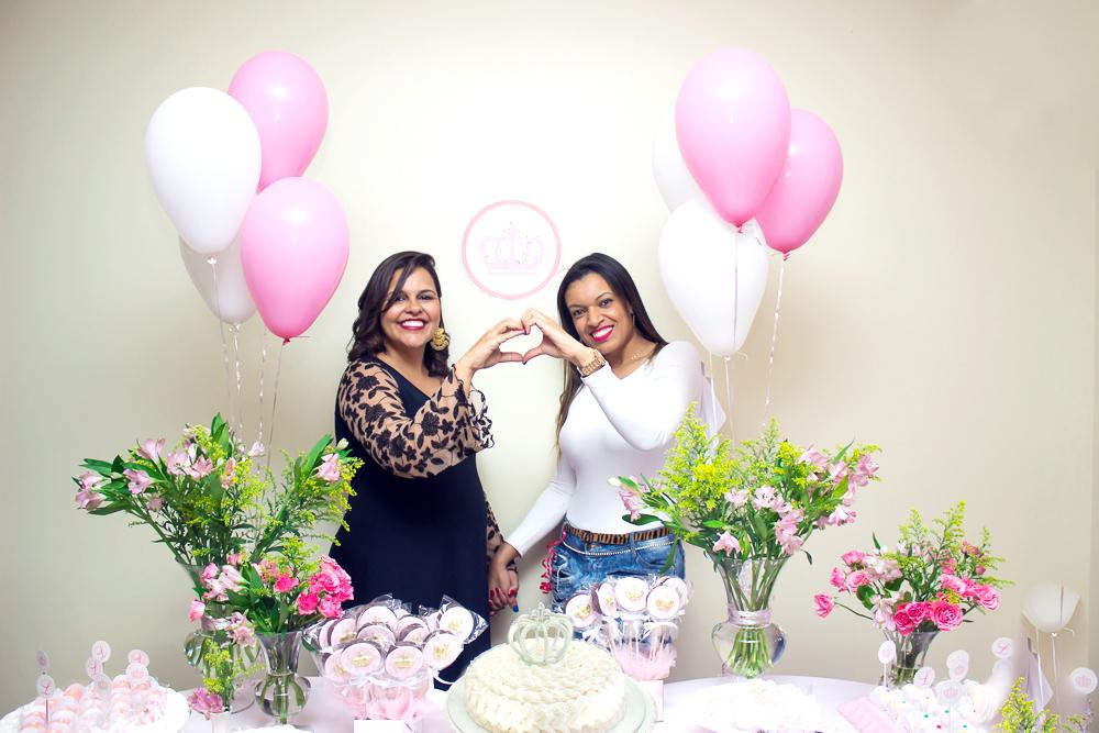 maternidade hoje, chá de bebê, chá de fraldas, bolo de fraldas, tema rosa e branco
