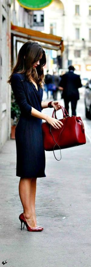 Mamãe elegante, mãe elegante, roupa de trabalho, maternidade hoje, bolsa vermelha
