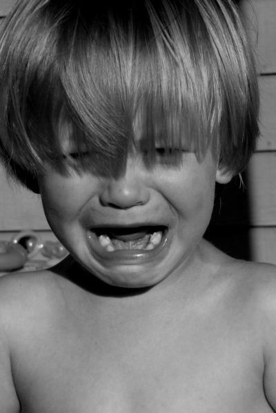 sunday, morgue file, maternidade hoje, criança chorando, fazendo birra