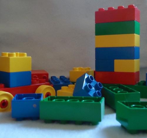 brinquedo de menino, brinquedo de menina, maternidade hoje