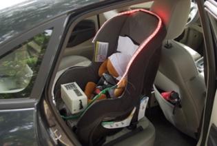 criança segura, criança esquecida no carro