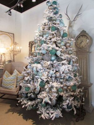 ~ 20 Awesome #ChristmasTree Decorating Ideas & Inspirations - Style Estate -
