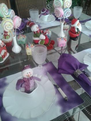 Mesa Natal lúdica lilás