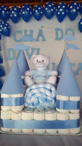Bolo de fraldas castelo - Davi Lucca